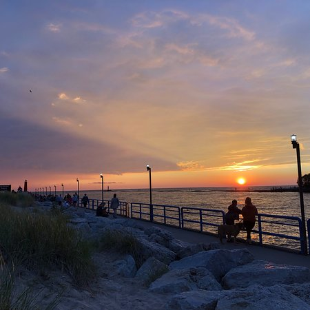 Grand Haven Lighthouse and Pier: photo0.jpg