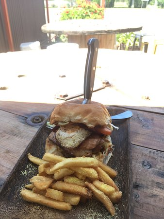 Manilla, Austrália: Lot Burger with Chips