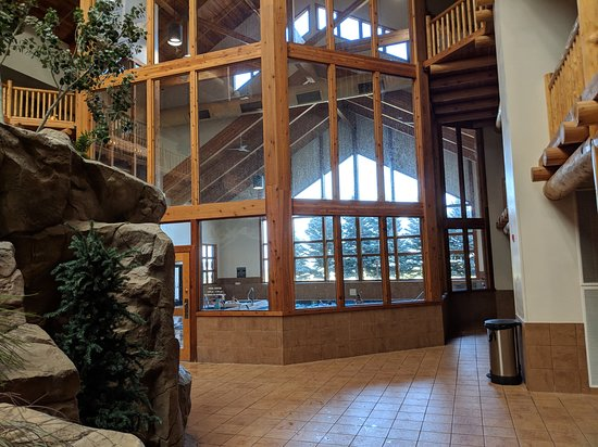 Evansville, WY: Main pool, toddler pool and one hot tub inside the glassed in room