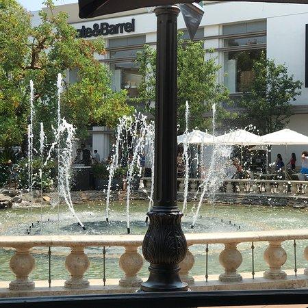 La Piazza the Grove Bild