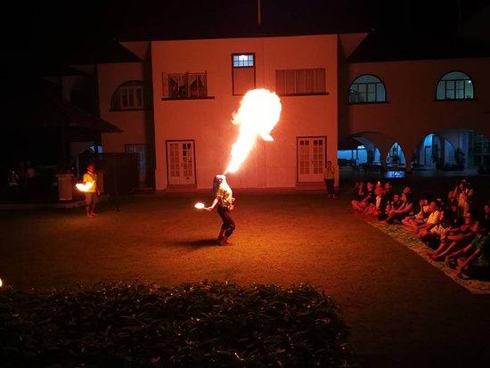 Kulim Eco-TRAIL Retreat: Campfire show.
