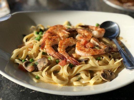 Landry's Seafood House: Shrimp Fettuccine