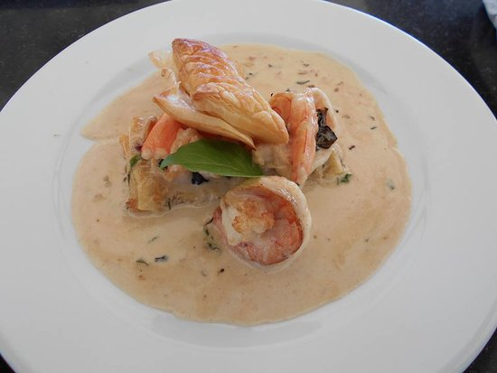 Ao Chalong Yacht Club Restaurant: Great Specials .
