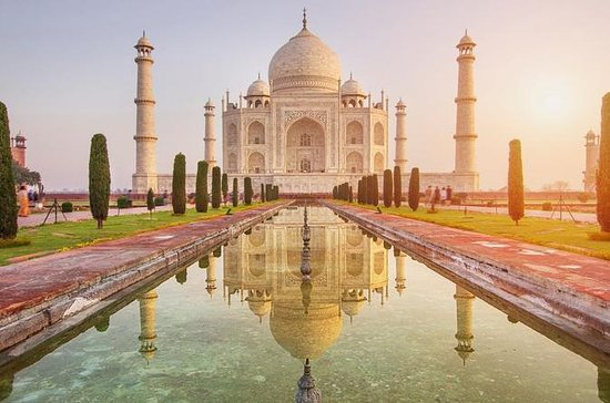 From Delhi: Sunrise Taj Mahal Excursion...
