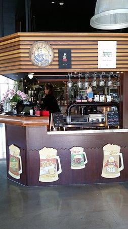 Varsity Lakes, Australia: The bar