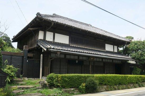 Watanabe Family Residence