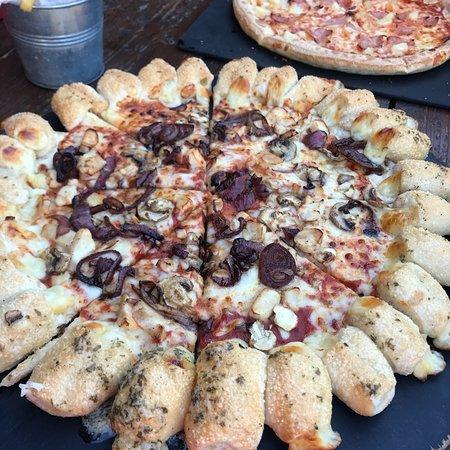 Pizza Hut Greenhithe Unit Evl18 Wintergdn Restaurant