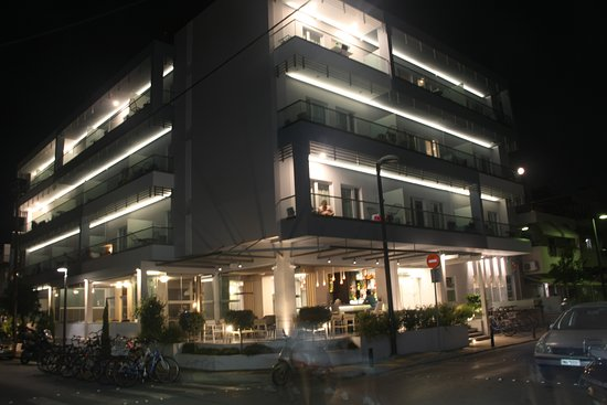 Astron Suites & Apartments: Hotel