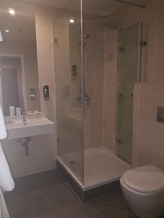 Regency Suites Hotel Budapest : Regency Suites Hotel - Bathroom