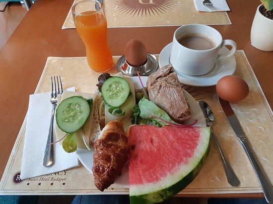 Regency Suites Hotel Budapest : Regency Suites Hotel - Breakfast