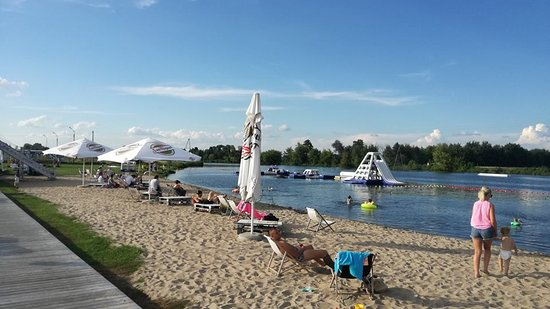 Konstancin-Jeziorna, Polandia: Beach and waterpark for kids and adults