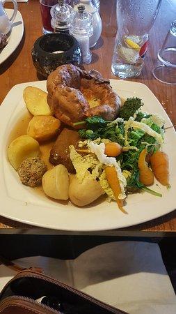 Slyne, UK: Nut roast- veggie sunday roast