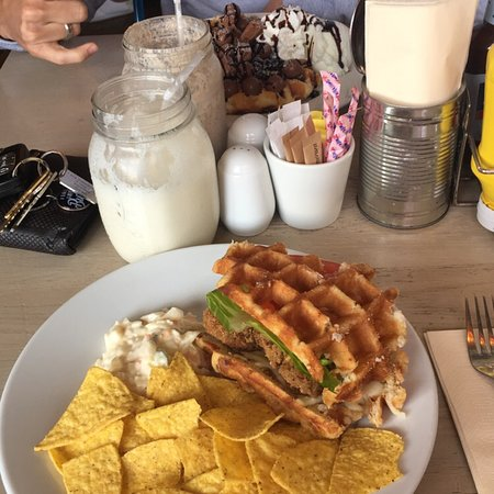Sweet and savoury waffles 👅