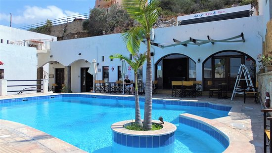 Kalo Chorio, Grecia: pool and bar entrance