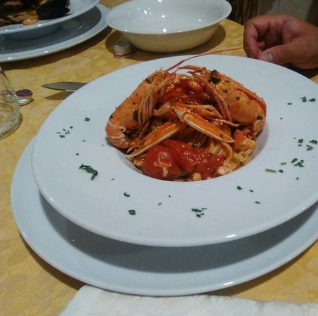 Gallico, Itália: Tagliolini al Gambero Rosa e datterini