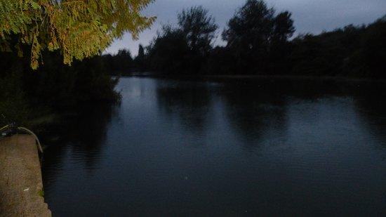 Luche-Pringe, Frankrijk: Nuit tombante sur le Loir