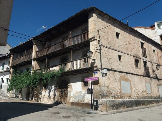 Casa Ferrones