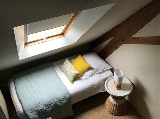Nonant, Franciaország: chambre familiale Guillaume, vue de la mezzanine de l'espace enfants