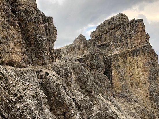 Misurina, Италия: Il percorso del Bonacossa, molto aereo,  si snoda spesso in cengia. imrpessionanti dettagli