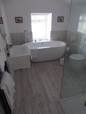 Trearddur Bay, UK: Bathroom.