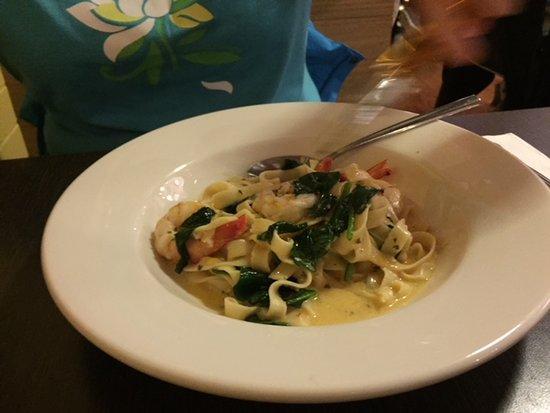 Torquay, Austrália: Prawn spinach fettuccini