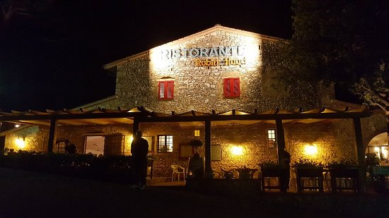 Casale Marittimo, Olaszország: 20180812_230044_large.jpg