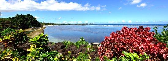 Satuiatua Beach Resort: View looking towards resort