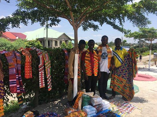 Asantewaa Premier Guest House: shop