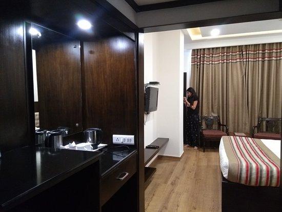 Hotel Royale Residency: IMG_20180623_112352113_LL_large.jpg