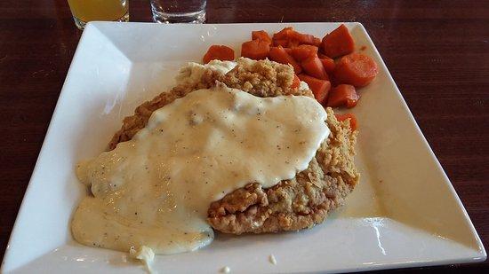 Winfield, KS: Delicious Chicken Fried Steak !