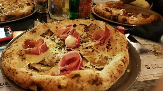 Frattamaggiore, Italie: IMG-20180813-WA0016_large.jpg