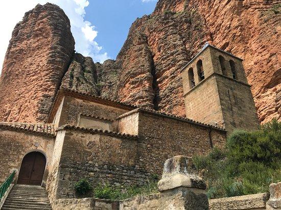 Nuestra señora del Mallo, belle église romane de Riglos