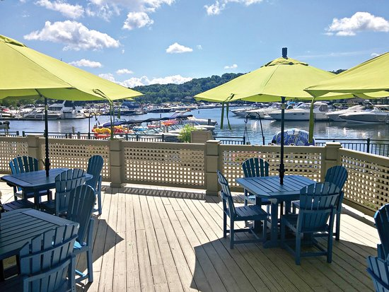 The Waterfront at The Abbey Resort: patio