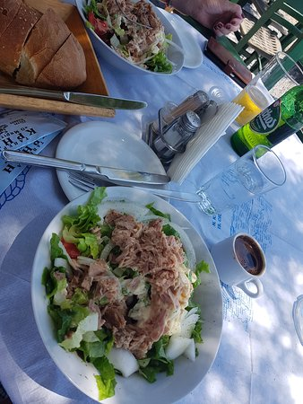 Keratokampos, Grecia: Tonijnsalade