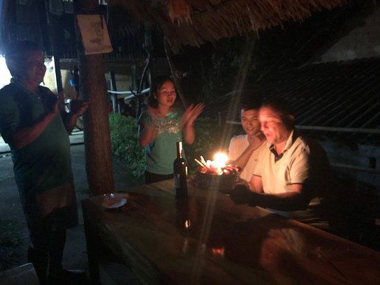 Quan Ba, Việt Nam: Tổ chức sinh nhật cho khách