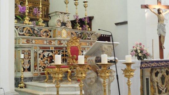 Chiesa di santo Stefano: Detalle de altar mayor