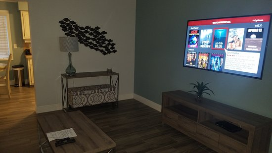 Suite Living Room With Smart Tv Roku And Hd Programming Picture Of May Dee Suites Hollywood Tripadvisor