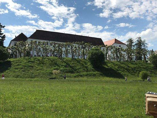 Herreninsel, Jerman: vom Pferdewagen aus:Blick auf das ehemalige Augustinerkloster