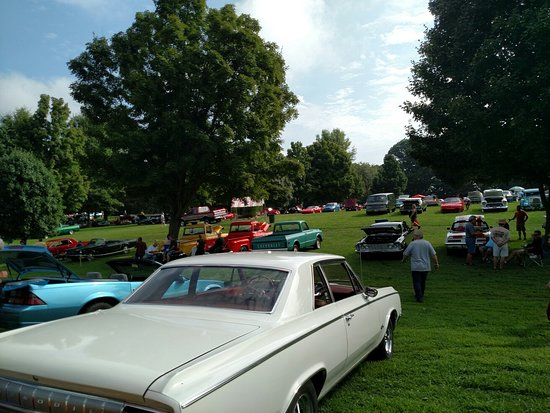 Cedar Creek parks August fun fest