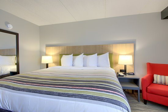 Newly Renovated Rooms with new furnishings