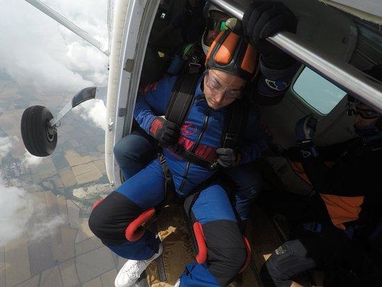 Hibaldstow, UK: Thomas' Skydive 0003_large.jpg