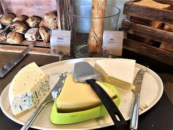 Arlandastad, السويد: Part of the breakfast buffé, cheese.