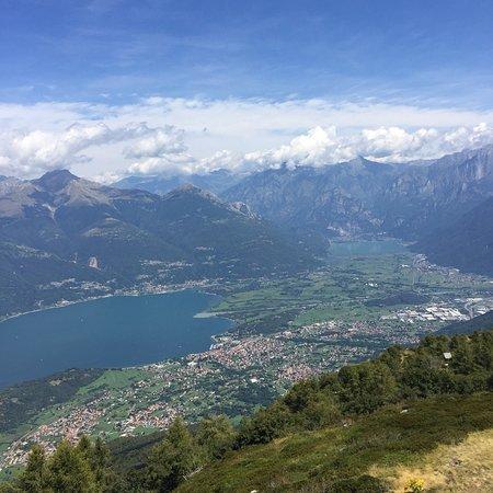 Introzzo, Italy: Vista verso la Valtellina