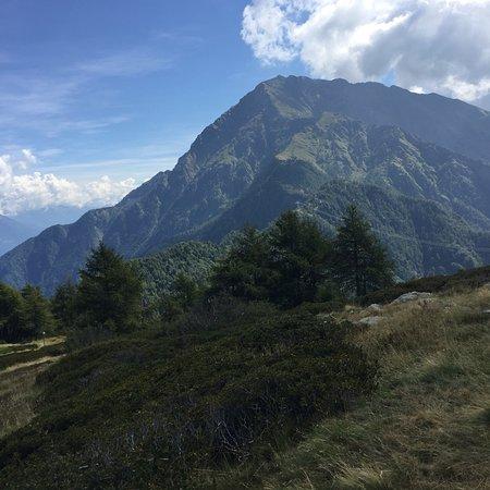 Introzzo, Italy: Vista verso il Monte Legnone