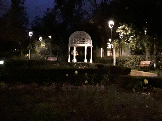 Terrassa, Spagna: Bonita Estampa de Noche