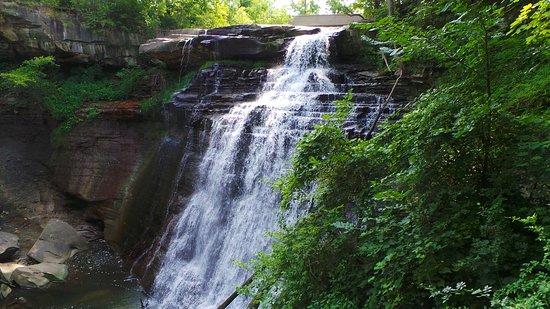Sagamore Hills, OH: The falls