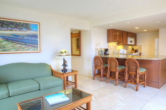 Aqua Luana Waikiki 2 Bedroom City View Kitchen Picture