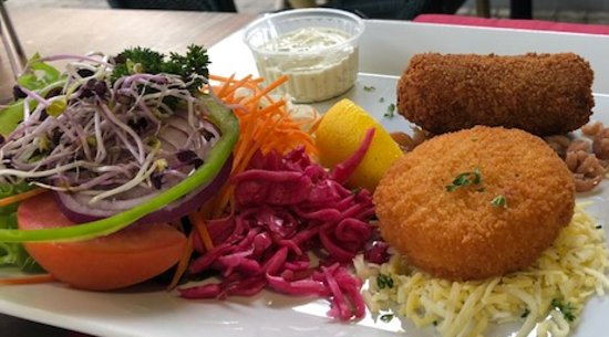 Leopoldsburg, Belgia: Duo of shrimp and cheese croquettes