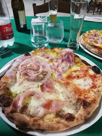 San Giorgio Albanese, Италия: IMG_20180809_225534_large.jpg