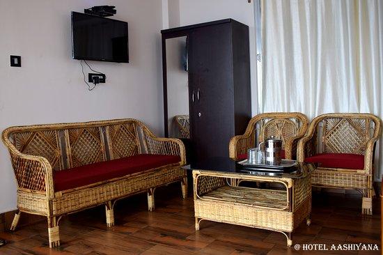 Hotel Aashiyana: interior